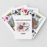 Alarma e interior atento (neurona/sinapsis) baraja cartas de poker
