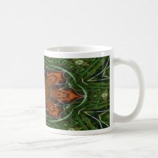 Alas de la mariposa taza de café