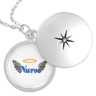 Alas del ángel de la enfermera pendiente