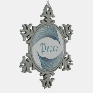Alas del arte abstracto de la paz adorno de peltre en forma de copo de nieve