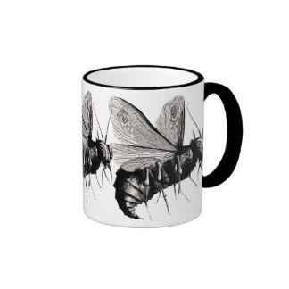 Alas góticas del cráneo de las abejas taza de café