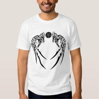 Alas negras de Baphomet de la camiseta del valor Remera