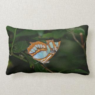 Alas perfectas de la mariposa de Camoflage Almohadas