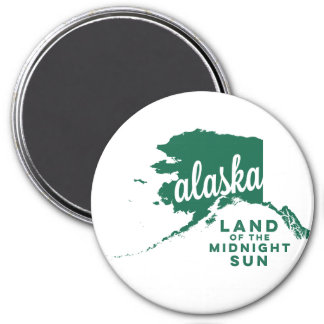 alaska   land of the midnight sun    green 3 inch round magnet