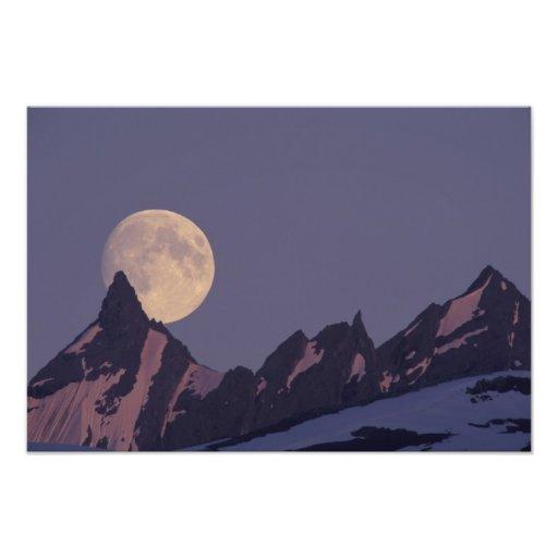 Alaska, subidas de la Luna Llena de las montañas d Fotografías