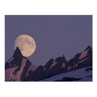 Alaska, subidas de la Luna Llena de las montañas Postales
