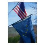 Alaska y bandera americana tarjetón