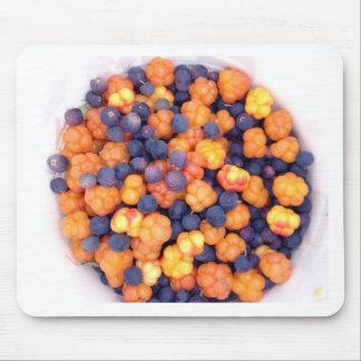 alaskan berries mouse pad