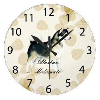 Alaskan Malamute ~ Tan Leaves Motiff Round Clock