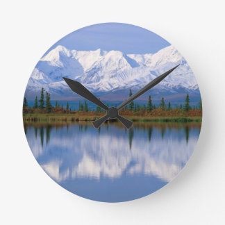 Alaskan Mountians Round Clock
