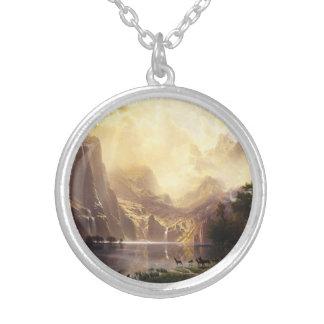Albert Bierstadt en el collar de las montañas