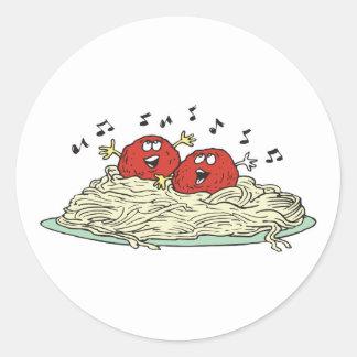 albóndigas del canto en los espaguetis pegatina redonda