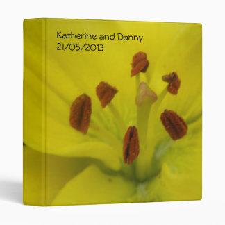 Álbum floral de encargo del boda del lirio amarill