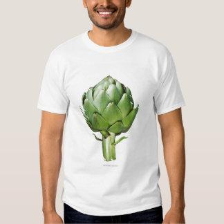 Alcachofa de globo en el fondo blanco cortado camisas