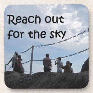 Alcance hacia fuera para el cielo posavasos