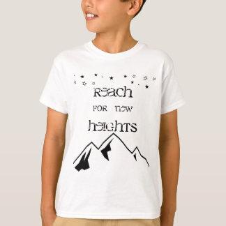 Alcance para la nueva camisa de los niños de las