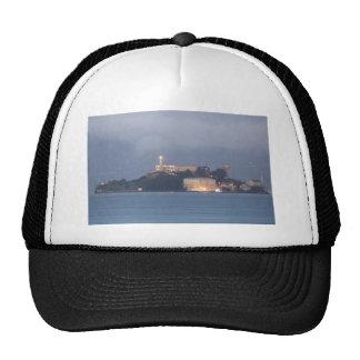 Alcatraz en el amanecer gorros