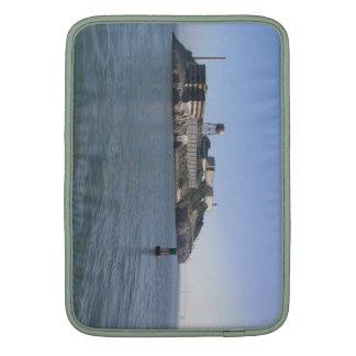 Alcatraz (la roca) del agua de San Francisco Fundas Para Macbook Air