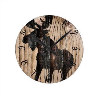 Alces en el reloj de madera 3