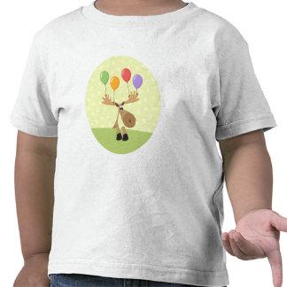 Alces lindos del dibujo animado con los baloons co camiseta