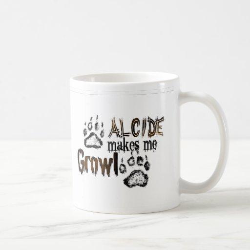 Alcide hace que gruñe taza