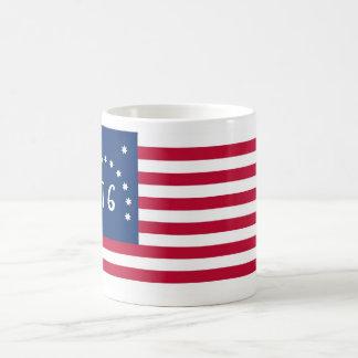 Alcohol de la bandera de Estados Unidos Bennington Taza Básica Blanca