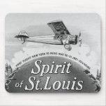 Alcohol de St. Louis - envoltura del cigarro del v Alfombrillas De Ratón
