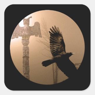Alcohol del cuervo del vuelo y arte sagrado del pegatina cuadrada