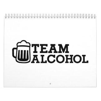 Alcohol del equipo calendario de pared