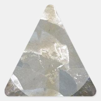 Alcohol ilegal sobre las piedras para la pegatina triangular