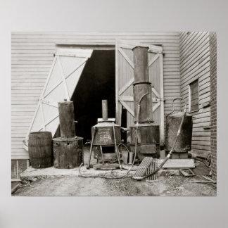 Alcohol ilegal todavía agarrado por Police, 1926. Póster