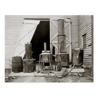 Alcohol ilegal todavía agarrado por Police, 1926 Postales