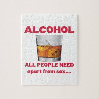Alcohol toda la necesidad de la gente aparte de puzzle