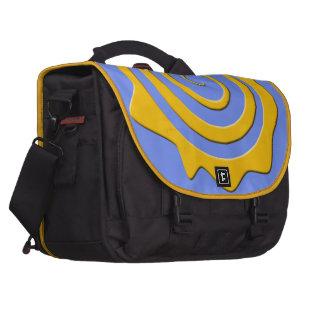 Alegre sol amarillo en espiral sobre fondo azul bolsas de portátil