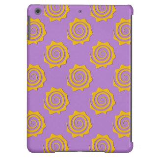 Alegre sol amarillo en espiral sobre fondo violeta