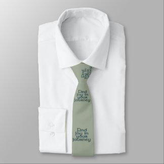 Alegría del hallazgo en su viaje corbata fina