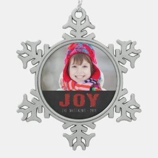 Alegría roja de saludo del día de fiesta el | de adorno de peltre en forma de copo de nieve