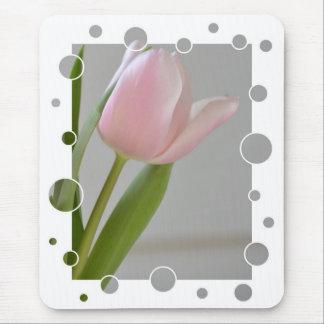 Alegría rosada del tulipán tapetes de ratón