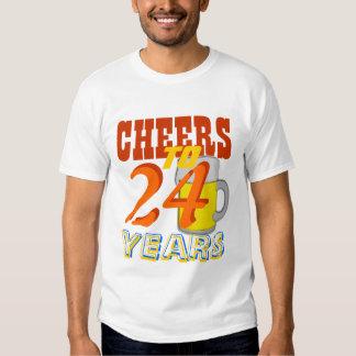 Alegrías a 24 años cumpleaños de la cerveza de polera