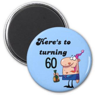 Alegrías a 60 camisetas y regalos del cumpleaños imán redondo 5 cm