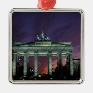Alemania, Berlín. Puerta de Brandeburgo en la Adorno Navideño Cuadrado De Metal