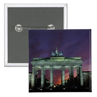 Alemania, Berlín. Puerta de Brandeburgo en la noch Pin Cuadrada 5 Cm