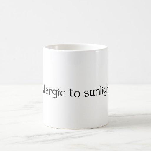 Alérgico a la luz del sol taza