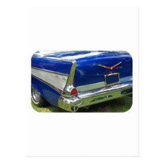 Aleta 1957 y defensa posteriores de un azul chevy postal