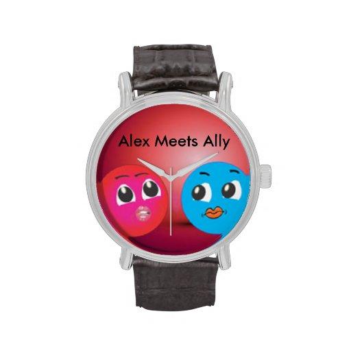Alex y aliado sonrientes lindos en humor romántico relojes de mano