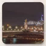 Alexander puente and gran palacio AT night París Posavasos