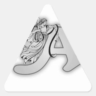 Alfabeto del ángel un monograma inicial pegatina triangular