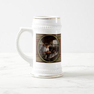 Alfarero - criado en la arcilla jarra de cerveza