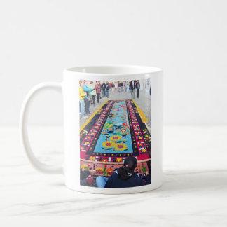 alfombra 14 coffee mug