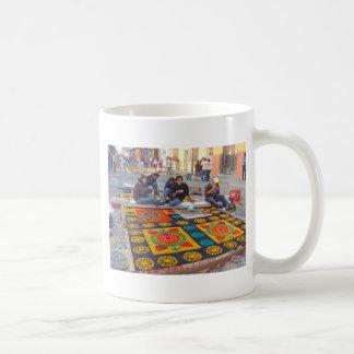 alfombra 18 classic white coffee mug